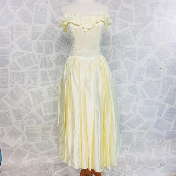 93c648301f4 NWT Vintage 80 s Gunne Sax Formal Strapless Dress